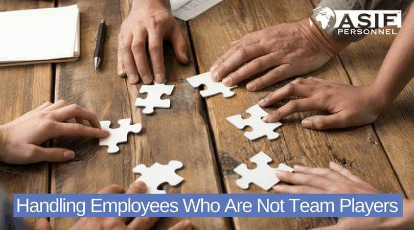 4 Ways To Handle Employees Who Are Not Team Players